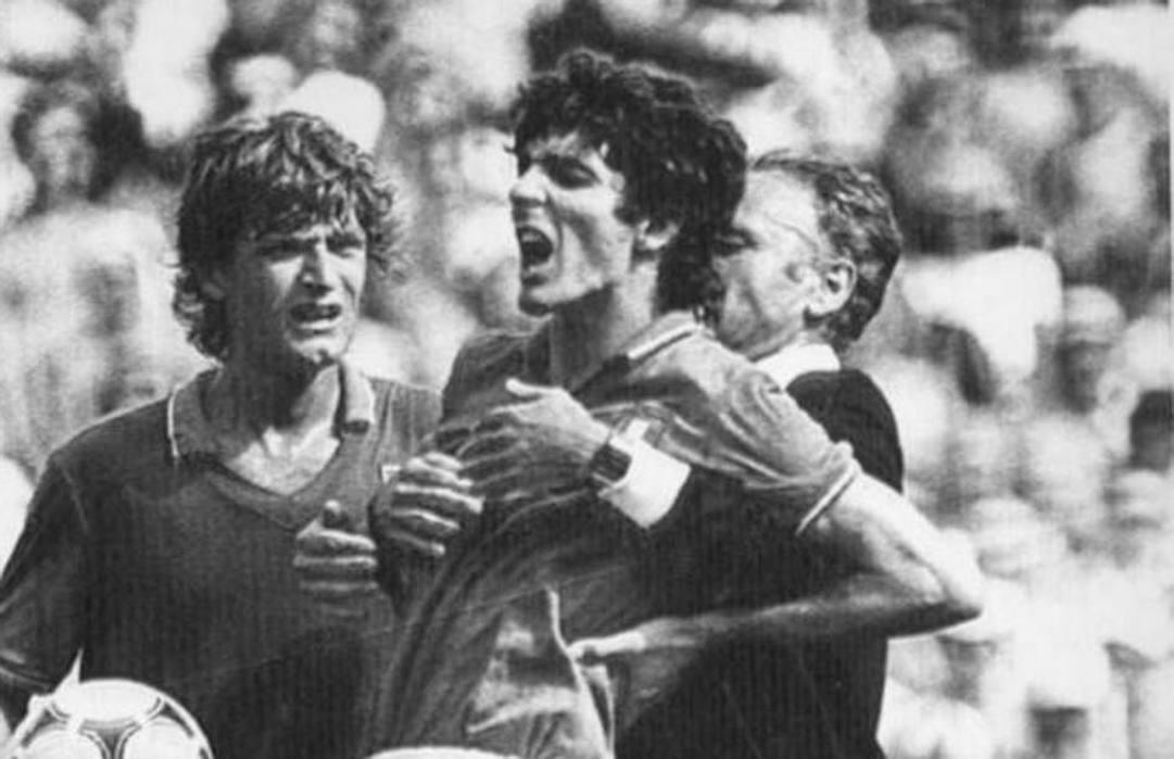 Giancarlo Antognoni con Paolo Rossi.